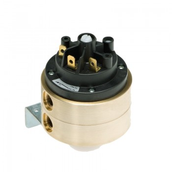Differential pressure switch 630